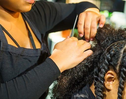 Réalisation d'une coiffure protectrice