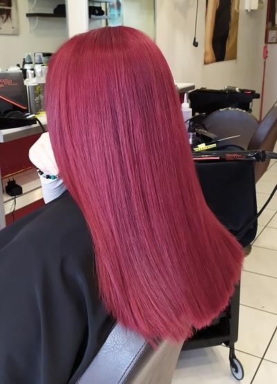 coloration rouge sur cheveux longs